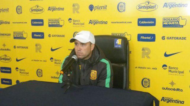 El director técnico de Rosario Central