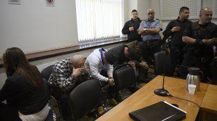 Los acusados durante el juicio oral que se desarrolló hoy en los Tribunales provinciales.