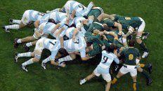 Los Pumas en un scrum. Un aspecto del juego que será evaluado por la comisión de la Unión Argentina de Rugby debido a las lesiones cervicales que sufrieron tres rugbiers en el ultimo año.