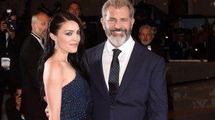 Mel Gibson será padre por novena vez, en esta ocasión con su joven esposa