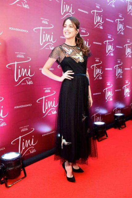 La protagonista de Stranger Things y Tini Stoessel se pusieron el mismo vestido