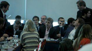 Diputados. Los colaboradores del ministro Prat Gay hablaron con legisladores de la comisión de Presupuesto.