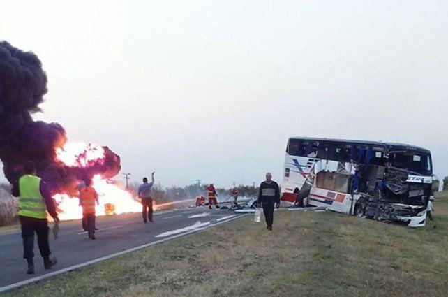 Dantesco. Ni el chofer ni el camión que conducía pudieron ser identificados.