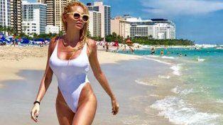 Las fotos de Vicky Xipolitakis con un traje de baño transparente en Miami recorren al mundo