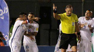 Un insulto anti-argentino de Medel a Pitana podría costarle una dura sanción