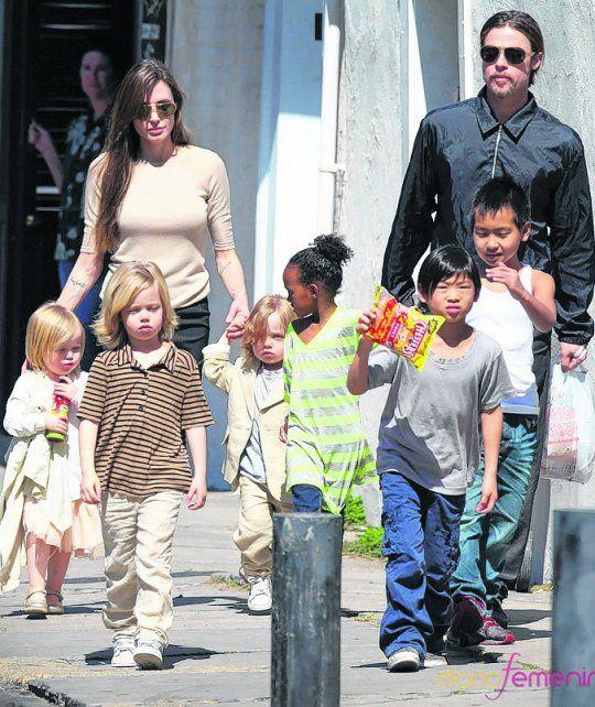 otros tiempos. Los niños están en el centro de la tormenta Pitt-Jolie.