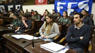 Los estudiantes piden corredores seguros, medio boleto y se enseñe educación sexual