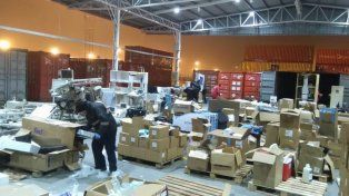 Allanan centros adventistas por presunto contrabando