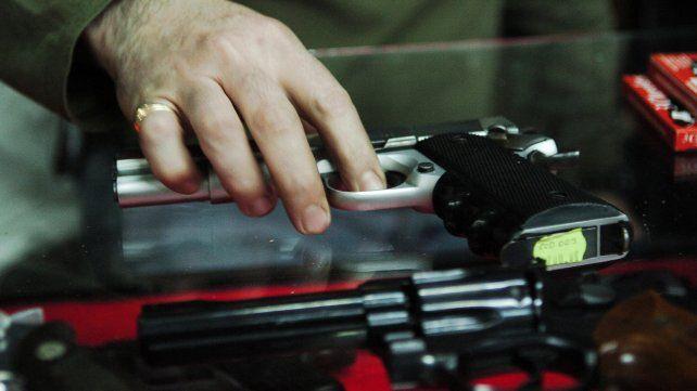 En lo que va de 2016, en Rosario se inscribieron un 8 por ciento más de armas con relación a 2015