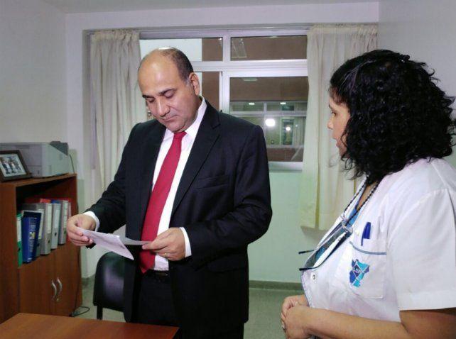 Manzur se hizo una rinoscopía para cumplir con una ley que obliga a funcionarios a realizar estudios antidrogas