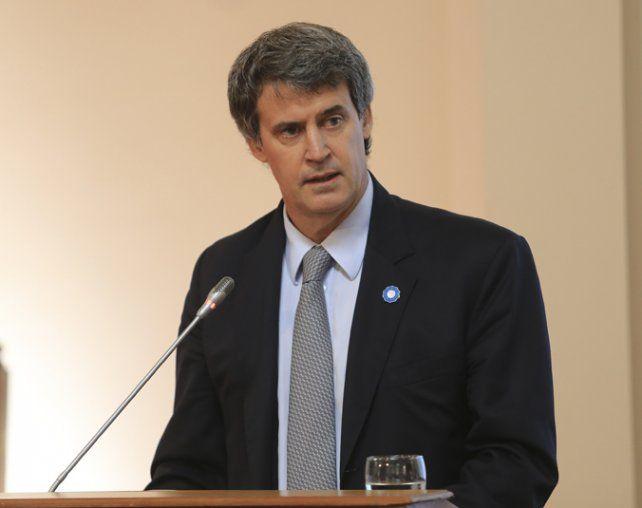 ministro. Prat Gay criticó a la rama económica ortodoxa del gobierno.