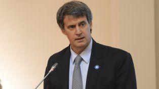 El ministro Alfonso Prat Gay firmó el decreto.