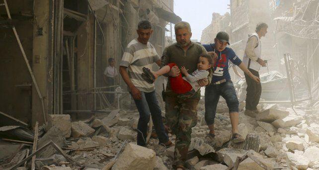 Bombazo. En esta foto de archivo de este año en la ciudad siria de Aleppo