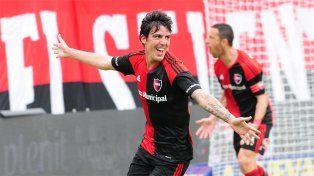 El Gato Formica se destacó en el triunfo leproso por 3-1 en el Coloso.
