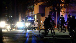 Otra jornada violenta en tres ciudades de Estados Unidos dejó catorce heridos