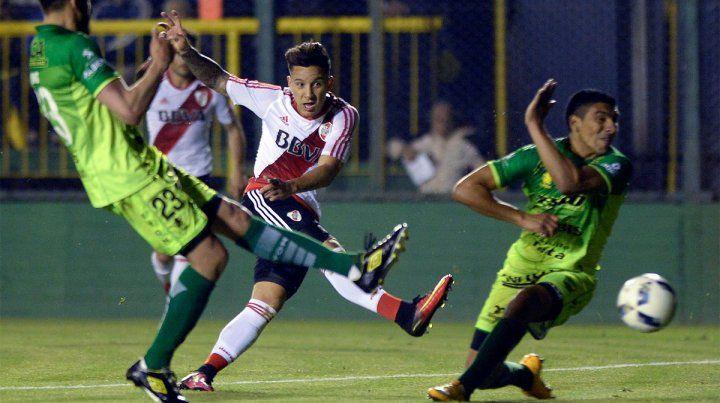 River y Defensa y Justicia empataron en un tremendo 3 a 3 en Florencio Varela