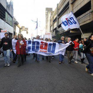 Una de las marchas de COAD reclamando por aumento de salario. (Foto de archivo)