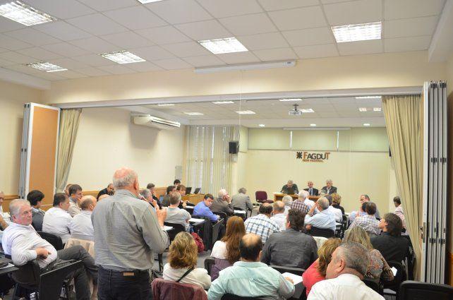 Dirigentes de FAGDUT de todo el país en la sede nacional del sindicato.