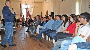 Agustín Rossi se reunió con militantes de distintos puntos del sur santafesino.
