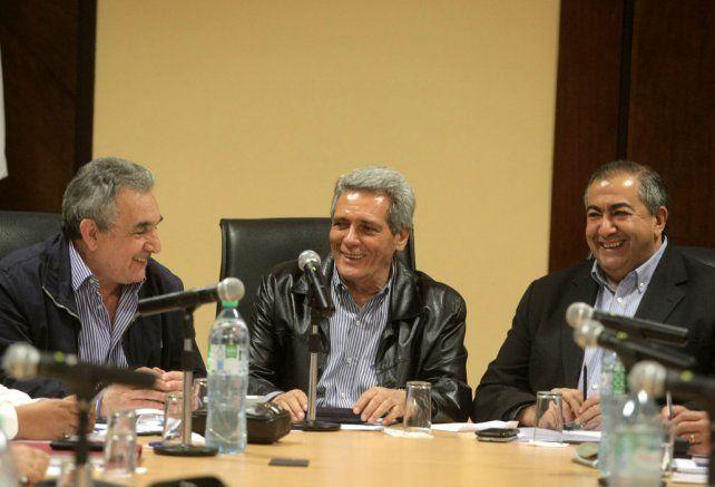 Equilibrio. El triunvirato de la CGT hace equilibrio entre las bases sindicales y el diálogo con el gobierno.