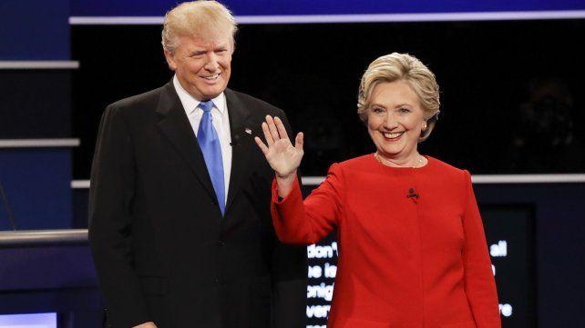 Trump se ha alejado de la verdad de forma más descarada que cualquier  otro candidato presidencial en la historia moderna. Clinton  hizodeclaraciones falsas y engañosas sobre su usode un correo  electrónico privado durante el tiempo en que fue secretaria de Estado.