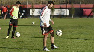 Facundo Quignon jugó un gran partido ante los tucumanos y fue pieza clave en el medio.