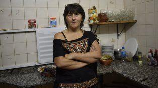 Generosidad. Gabriela Amata, la cocinera del hotel puertense que está dispuesta a adoptar al joven Bobby.