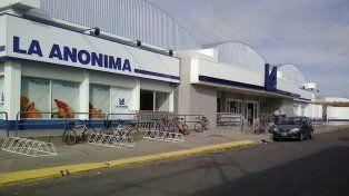 La Anónima, una de las grandes cadenas de supermercados de capital nacional, realizó pedidos de habilitación para abrir bocas de expendio en varias localidades.