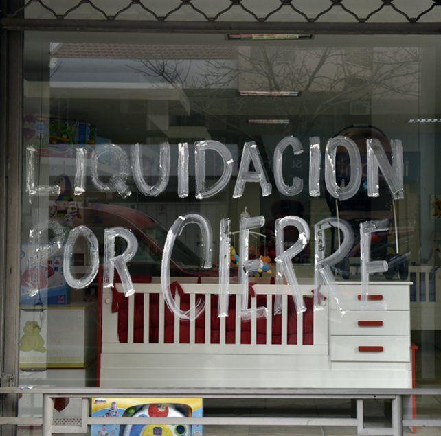 Paisaje. Las vidrieras de la crisis volvieron a adueñarse del centro rosarino.