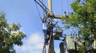 La EPE realiza trabajos para restablecer el servicio eléctrico en la zona norte