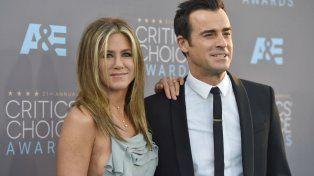Jennife y Justin intentan mantenerse al margen del estrenduoso divorcio de Pitt y Jolie.