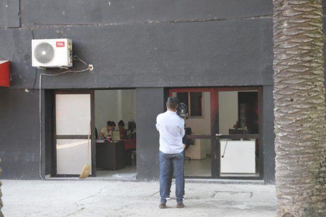 La sede del Parque Independencia fue víctima de un ataque con explosivo que causó algunos daños en su extructura.
