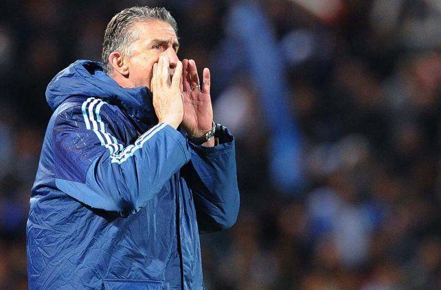 El entrenador prepara el equipo para las últimas fechas de eliminatorias que se disputarán este año.