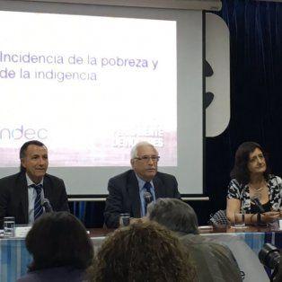 Jorge Todesca, titular del Indec (centro), difundió el índice de pobreza luego de tres años.