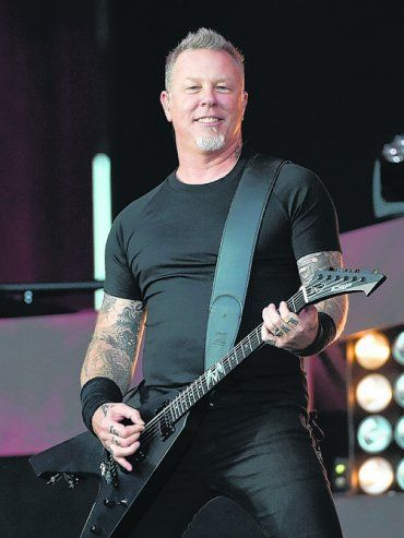 Heavy. James Hetfield, al frente de Metallica.