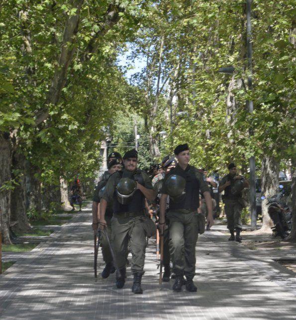 A paso firme. Los gendarmes patrullarán Rosario