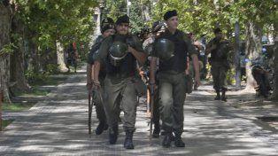 A paso firme. Los gendarmes patrullarán Rosario, al tiempo que Prefectura lo hará en la capital provincial.
