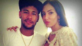 La exnovia de NeymarSoraja Vucelic tuvo que se hospitalizada después de ser apuñalada por un futbolista serbio.