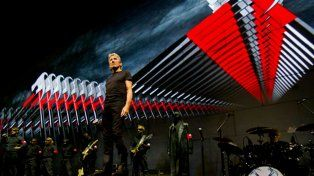El exlíder de Pink Floyd lanzó un fuerte reclamo para Peña Nieto en Ciudad de México.