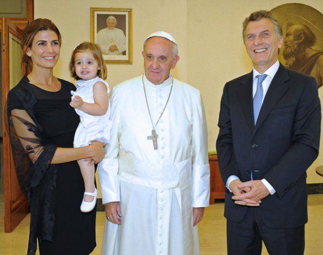 Reencuentro. Francisco recibirá a Macri y a su familia.