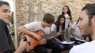 Jóvenes de América latina y el Caribe valoran los aprendizajes en taller