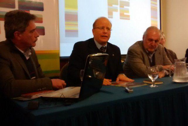 El ministro de Producción y el presidente de Fisfe presentaron un nuevo informe en Rafaela.