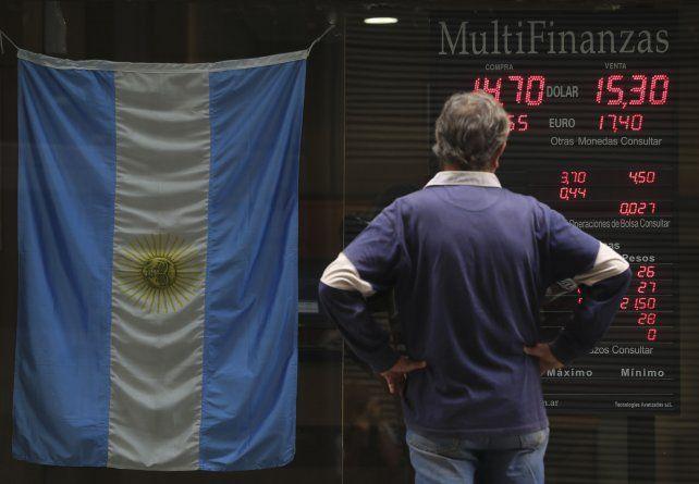 Dilema. La estrategia monetaria deja al dólar fuera de las mejores opciones.