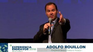 Anfitrión. Adolfo Rouillón