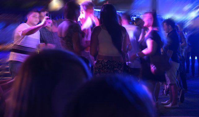 A bailar. Crecen las opciones de realizar fiestas en propiedades privadas o en bares golpeados en su números comerciales.