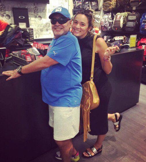 Rocío Oliva expuso a Maradona con una foto como ninguna mujer lo había hecho antes