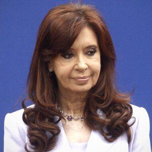 La expresidenta cuestionó la reducción de recursos en ciencia para 2017.