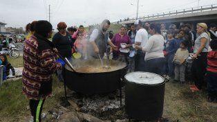 Las ollas populares se realizarán en distintas plazas de la ciudad.