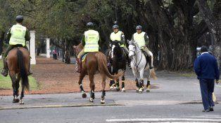 Presencia en el Parque. El Independencia es una de las zonas que los uniformados federales recorren a caballo.