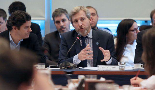 Explicaciones. Entre las principales críticas estuvieron varias megaobras previstas para la Capital Federal.